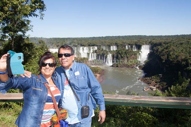 Vista Cataratas Lado Brasil al Inicio del Recorrido con Catacora Tour SRL