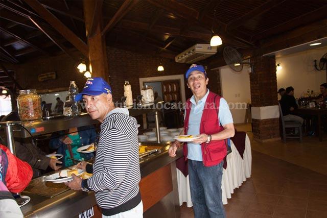 Almuerzo Buffet en Cataratas Argentina con Catacora Tour SRL